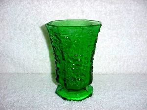 Anchor Hocking Forrest Green Harvest Grape Glass Vase V