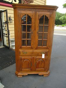 52352 Solid Maple Temple Stuart Corner China Cabinet Curio