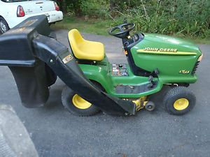John Deere LT155 15 HP Kohler Lawn Riding Rider Mower Tractor with Dual Bagger