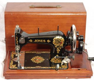 C 1940 Jones Family CS Hand Crank Sewing Machine