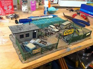 HO Junk Yard Scrap Car Auto Parts Industry Structure Scenery