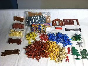Plastic Toy Soldier Pieces Civil War Wild West Figures Bridge Fences Trees Marx