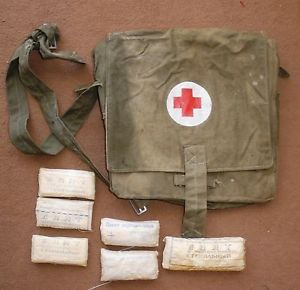 CCCP Soviet Army Military Medical First Aid Bag Red Cross 6 Bandages from 1968