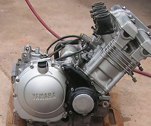 96 Yamaha FZR 600 Motor Engine w Starter Clutch Alternator FZR600 10 000 Miles