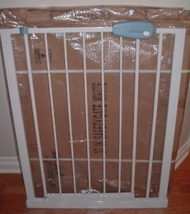"Expandable Metal Walk thru Barrier Door Safety Gate for Kids Pets Dog 37""H NIB"