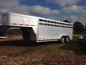 1998 FeatherLite Gooseneck Stock Horse Trailer