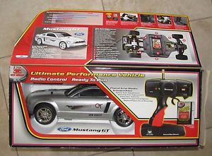New Bright Ford Mustang GT R C Car w Pistol Radio Control RC Battery Charger