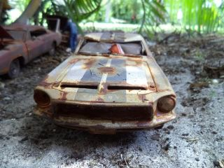 1 18 1968 Ford Mustang Shelby GT 500KR Unrestored Junker Diorama Barn Grave Yard