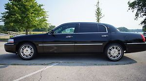 2010 Lincoln Town Car Executive L Sedan 4 Door 4 6L