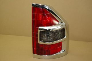 01 02 Mitsubishi Montero Passenger Right Tail Light Lamp RH Chrome Moulding