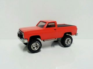 1 64 Custom Lifted 1983 Chevy Short Bed 4x4 Farm Toy Truck Ertl DCP