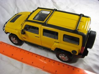 Hummer H3 Yellow Cararama Diecast Collection Car Model 1 24 1 24