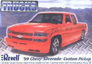 1999 Chevy Silverado Plastic Model Car Kit