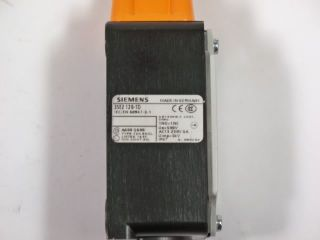 Siemens 3SE2 120 1D Limit Switch Roller Plunger New
