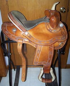 Quality Guffey 14 inch Barrel Racing Saddle Bear Trap Design Silver Rawhide