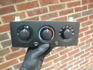 7020B Jeep Grand Cherokee 04 Temp AC Heat Climate Control Panel Unit Switch