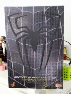 1 6 Hot Toys Spider Man 3 Spider Man Black Suit Version with Sandman Diorama