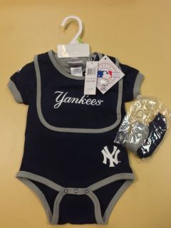 New York Yankees Infant 3 Piece Bodysuit by Majestic Onesie Bib Booties