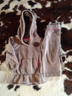 Toddler sweat Suit Genuine Kids OshKosh 2T Toddler Clothing