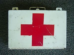 Old White Paint Red Cross First Aid Box Metal Muslin Bandage WWII Medical Kit