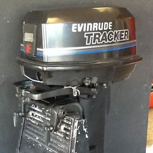 1991 Evinrude Tracker 25 HP Outboard Motor Long Remote Electric Start