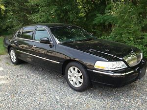 2011 Lincoln Town Car Executive L Model Black Livery Limo Limousine Sedan