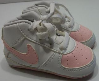 Infant Pink Nike Soft Sole Crib Shoes Girls 2 C