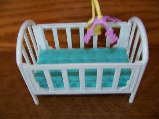 Fisher Price Loving Family Doll Dream House Baby Room Nursery Furniture Crib GUC