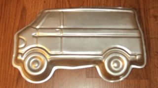 Wilton Scooby Doo Mystery Party A Team Van Cake Pan