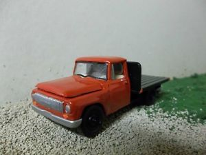 Johnny Lightning 1 64 Custom 1965 International Scout Flatbed Pickup Farm Truck