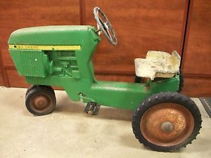 John Deere Toy Riding Tractor