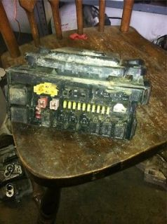 06 Grand Cherokee Commander Body Control Module Power Supply 04692085AB
