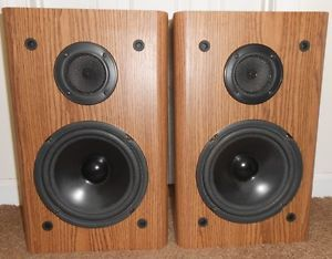 "2 Vintage KLH AV33 2 Way Stereo Home Theater Bookshelf Surround Speakers 8"" 140W"