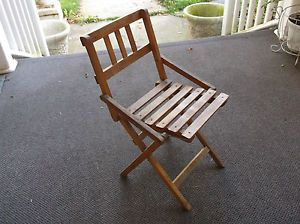 Mid Century Modern Tots Youth Wood Slat Folding Chair