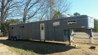 4 Horse Trailer with LQ Living Quarters