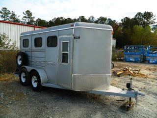 2005 Ponderosa Tandem Axle 2 Horse Slant Load Trailer with Dressing Tack Room