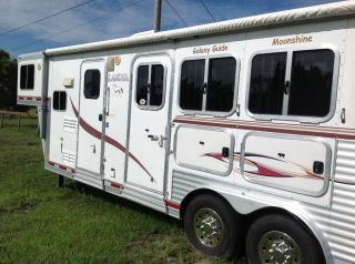 LAKOTA 2007 Horse Trailer Living Quarters Toy Hauler