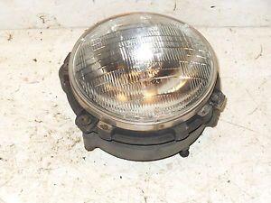 Jeep Wrangler TJ Headlight Assembly RH Passenger 97 06 Light Mount Retainer