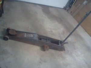 5 Ton Long Reach Floor Jack Great for Ambulances Hearses Utility Vehicles