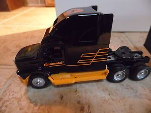 Winross Continental Tire Die Cast Toy Semi Truck w Trailer Black Orange