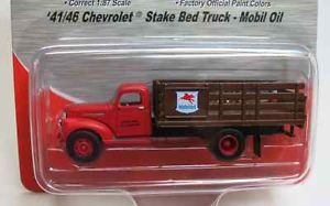 Classic Metal Works 1 87 HO 1941 1946 Chevy Stake Bed Truck Mobil Oil 30339