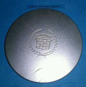 2000 Cadillac DeVille Wheel Center Cap