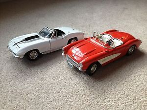 Lot of 2 1 18 Diecast Cars Ertl 1967 Chevy Corvette Burago 1957 Corvette Parts