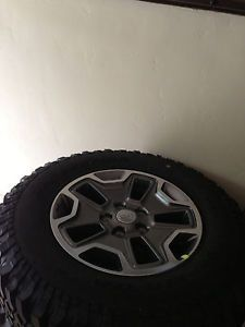 2013 Jeep Wrangler Unlimited Rubicon Wheels and Tires