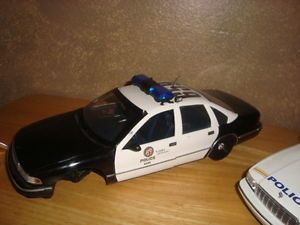 1 18 UT Models Autoart Chevy Caprice Police Cars for Parts LAPD and Watkins Glen
