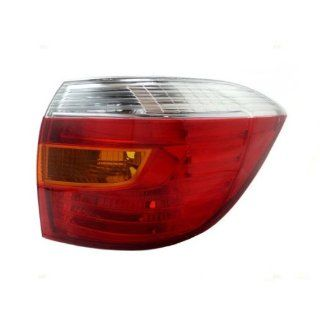 OE Replacement Toyota Highlander Passenger Side Taillight Assembly (Partslink Number TO2801174) Automotive
