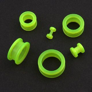 6G Pair Acrylic Green Glow in the Dark Screw on Ear Flesh Tunnel Plugs Gauges Jewelry