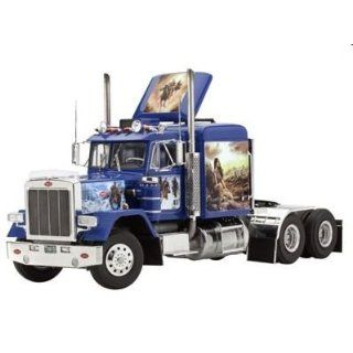 Peterbilt 353 Truck Cab 1/25 Revell Germany Toys & Games
